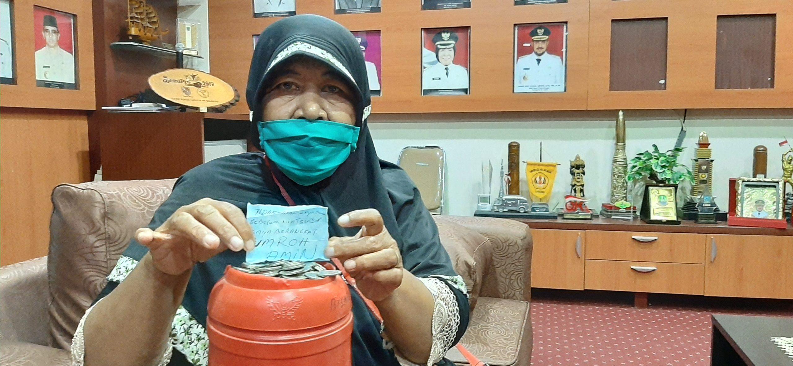 Nenek Penjual Pecel Sumbangkan Uang Celengan Hasil Jualannya Untuk Bantuan Covid-19