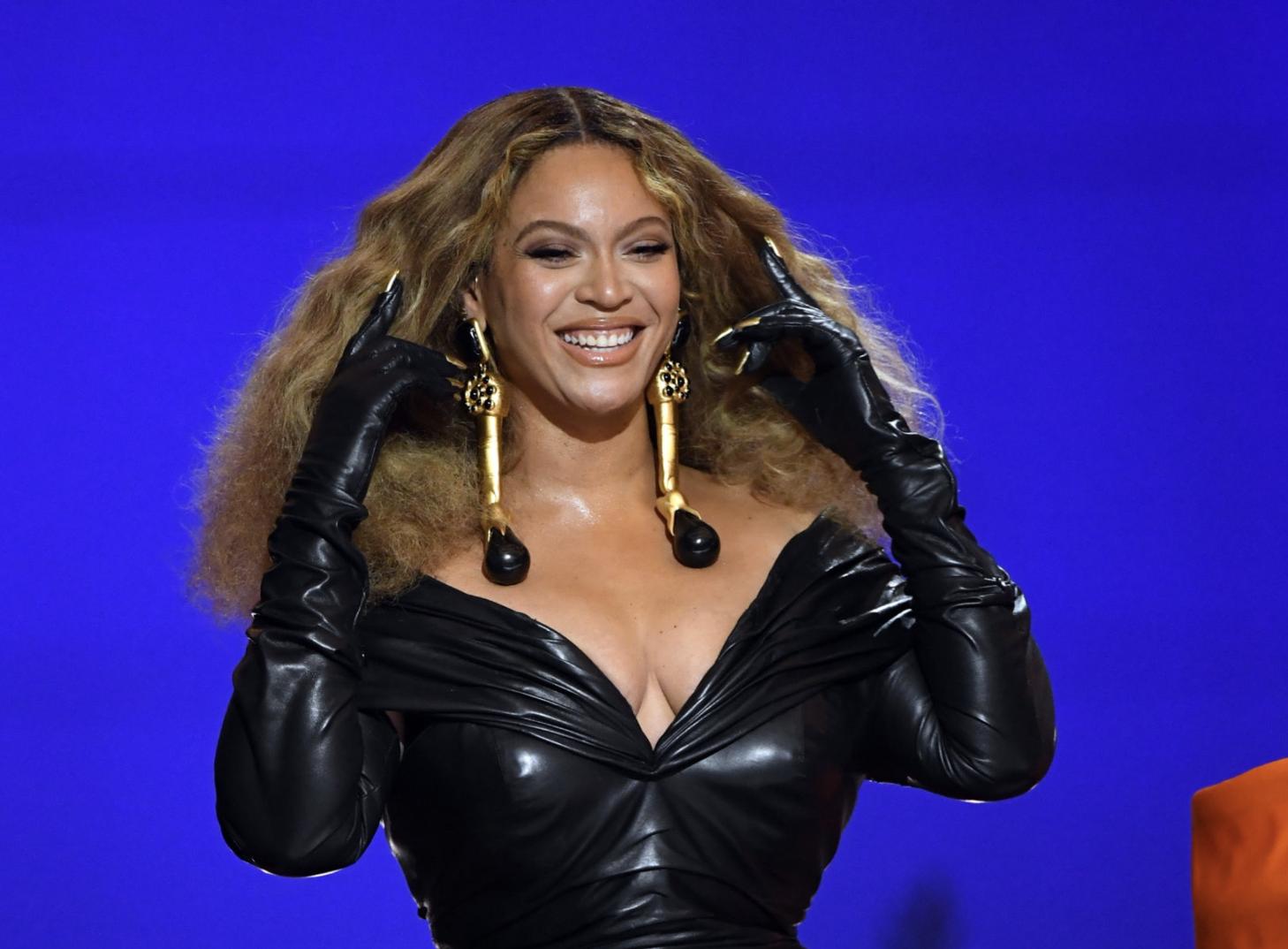 """Beyonce Lagi Garap Musik Baru: """"Aku Terus-Terusan di Studio"""""""