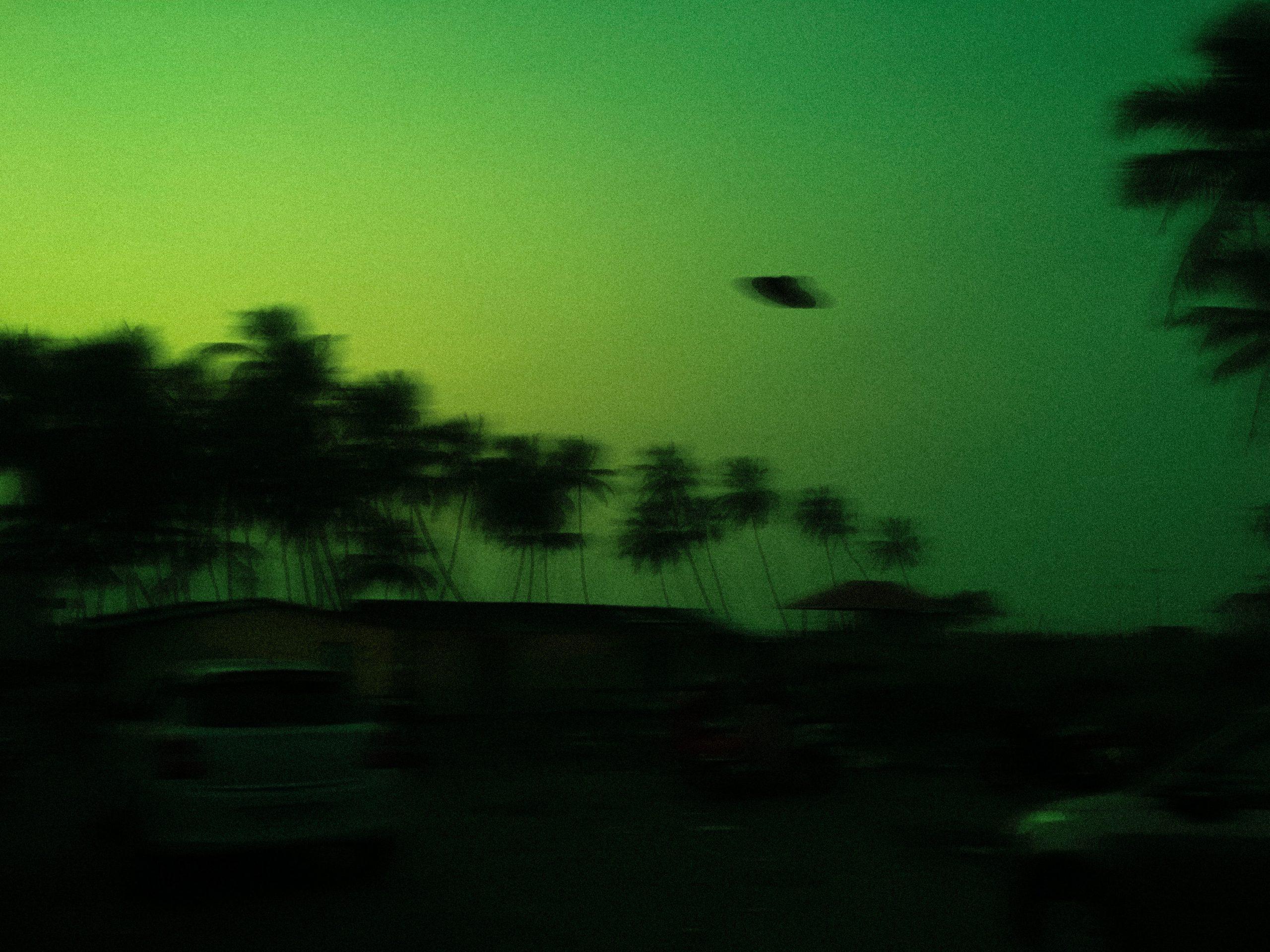 Penampakan UFO Hijau Dilaporkan 2 Pilot Pesawat