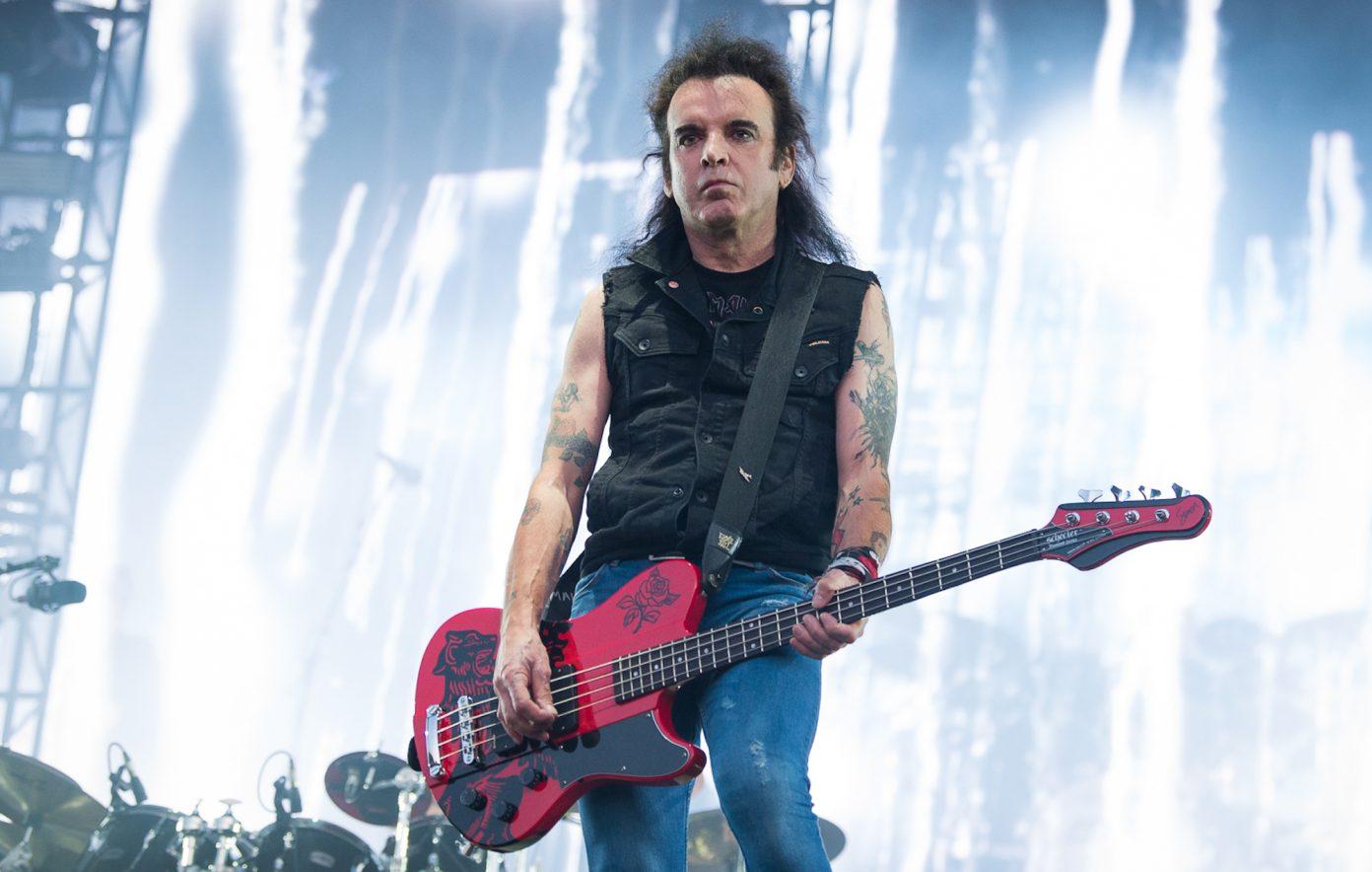 Bassist 'The Cure' Simon Gallup Cabut dari Band, Apa Alasannya?