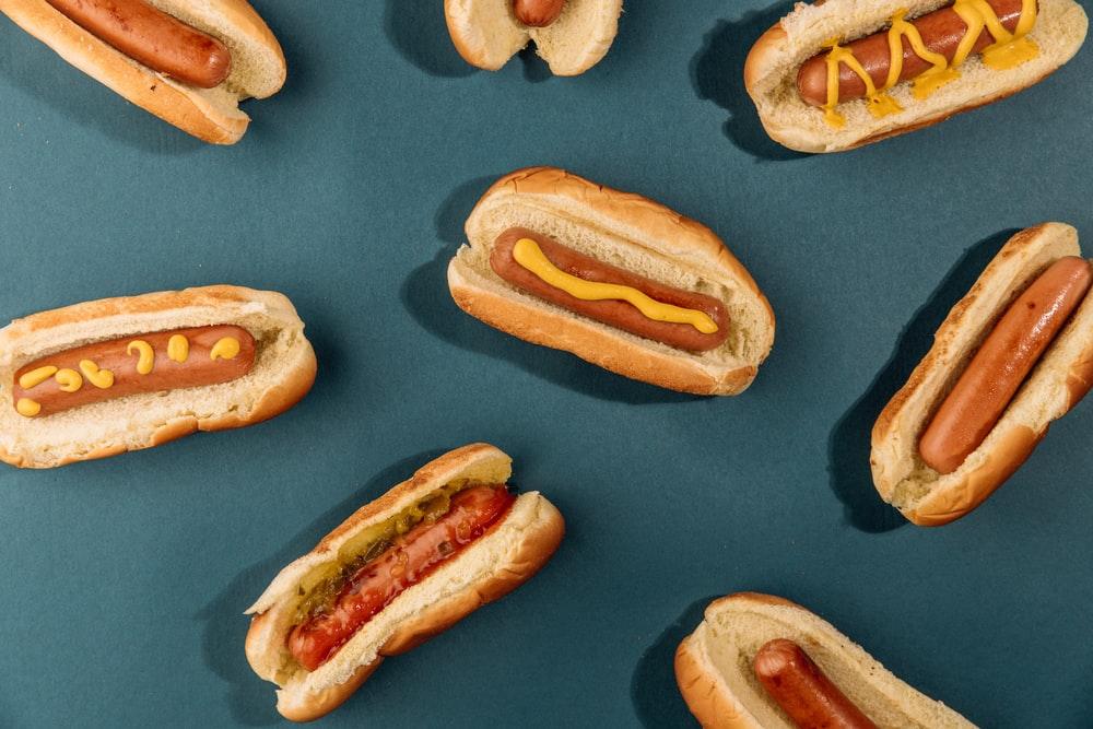 """Makan Hot Dog Ternyata """"Pangkas"""" Usia Hingga 36 Menit, Ungkap Riset"""