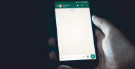 Kirim Stiker Mesum di WhatsApp Bisa Kena Denda Rp6 Miliar