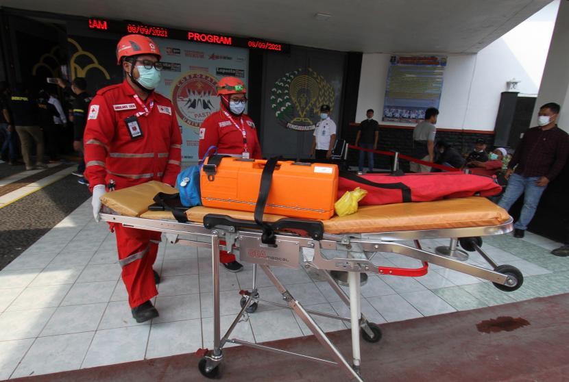 Evakuasi Korban Kebakaran Lapas Tangerang