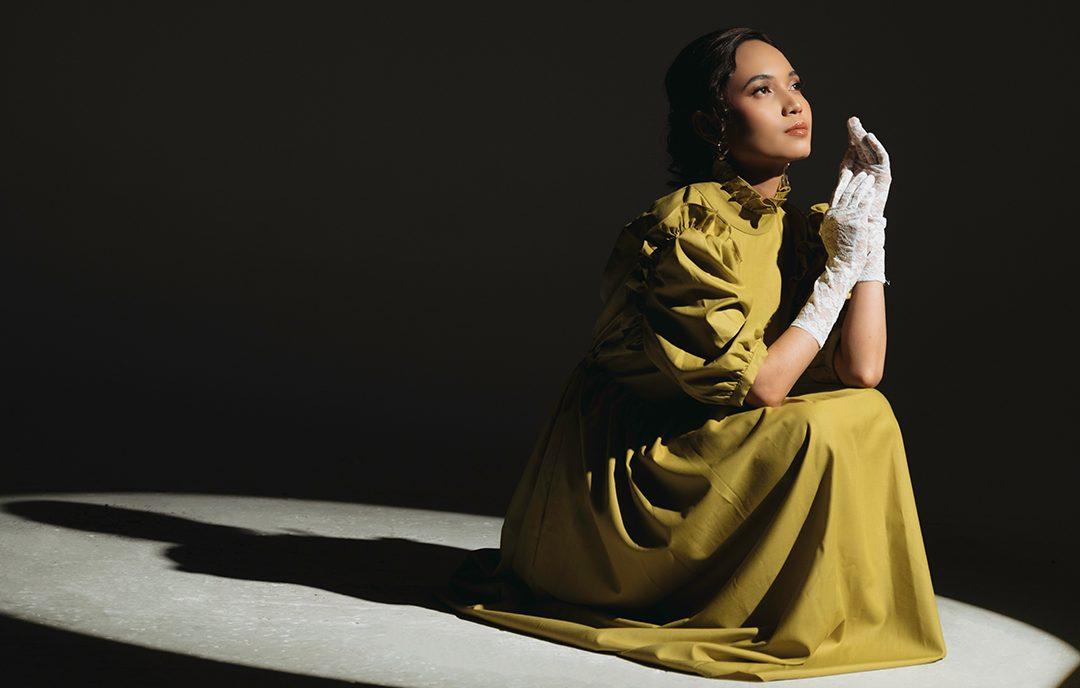 Makna 'Menjadi Manusia' Diusung Karin Sebagai Debut Singlenya!