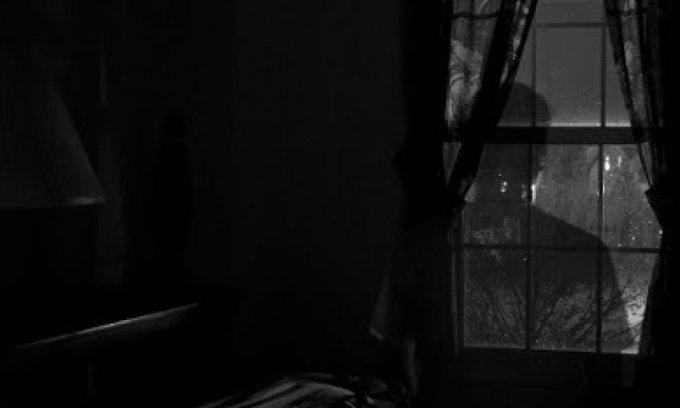Kosan Horor : Ketukan Jendela dan Sinden Misterius