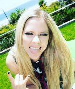 5 Fakta Tentang Avril Lavigne yang Lo (Mungkin) Belom Tau!