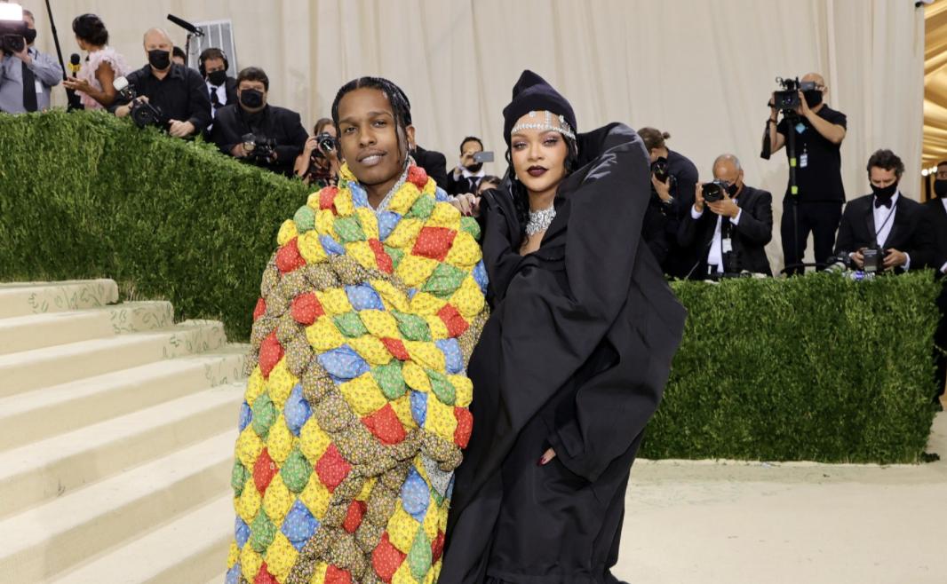 Kostum Met Gala A$AP Rocky Ternyata Selimut Beneran, Ada Cerita di Baliknya!