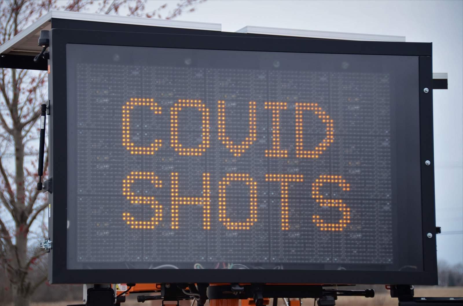 Penyintas Covid-19 Gejala Ringan Nggak Harus Nunggu 3 Bulan untuk Vaksin, Sekarang Sebulan Cukup