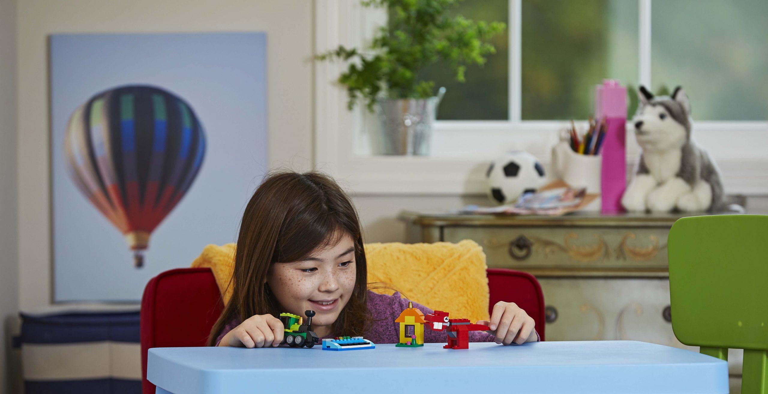 LEGO Perkenalkan Rebuild The World:
