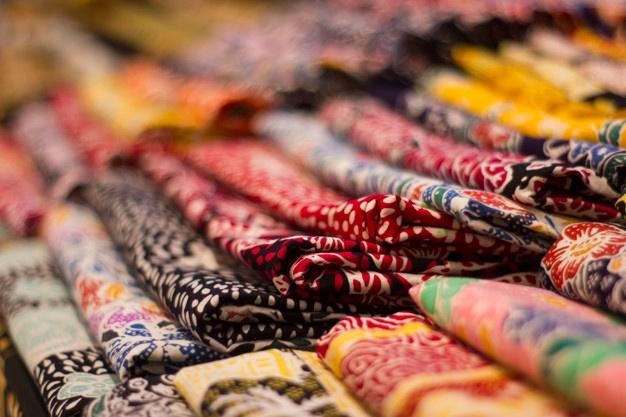 Hari Batik Nasional: Begini Jenis Batik dan Cara Bedainnya!