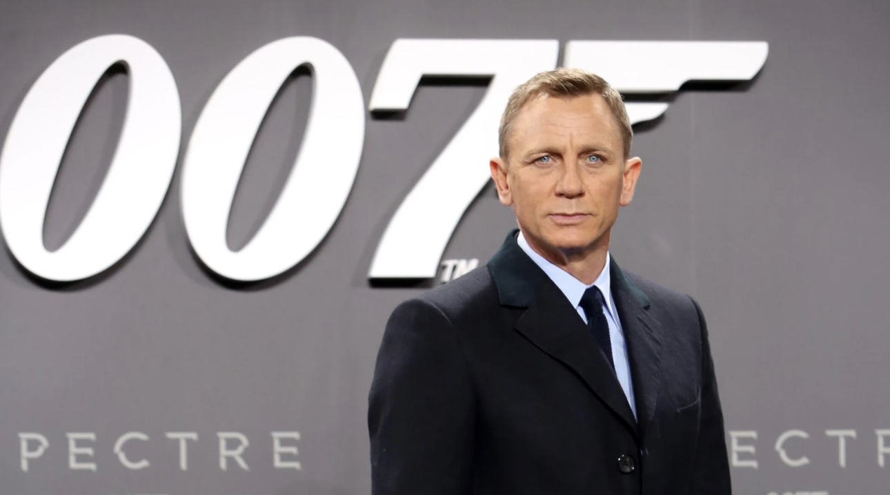 "Sukses dengan ""No Time To Die"", Daniel Craig Akhirnya Masuk 'Hollywood Walk of Fame'"