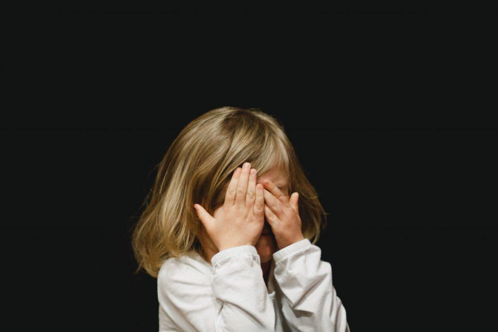 """LBH Makassar Minta Polri Buka Lagi Kasus """"Tiga Anak Saya Diperkosa"""", #PercumaLaporPolisi Jadi Bentuk Kecaman Warganet"""