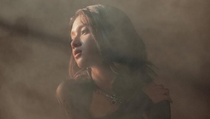 "Rahmania Astrini Rilis Single ""When You, Were Mine"", Ungkapan Penyesalan?"