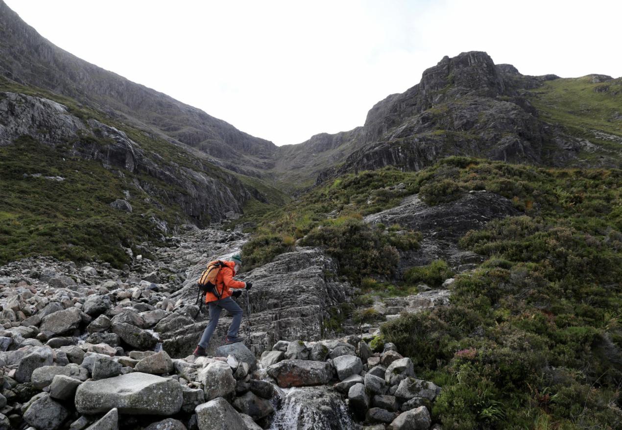 Mendaki Gunung di Skotlandia, Kakek 81 Tahun Ini Sudah Capai Ratusan Puncak!