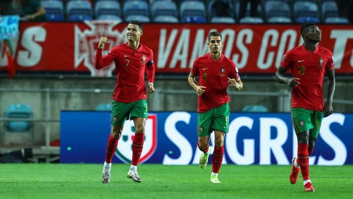 Ronaldo Cetak Rekor Baru Usai Hat Trick Lawan Luksemberg!
