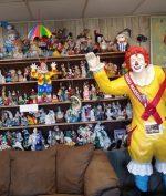 Ribuan Boneka Badut Jadi Alasan Hotel Ini Mendapat Predikat Penginapan Paling Berhantu!